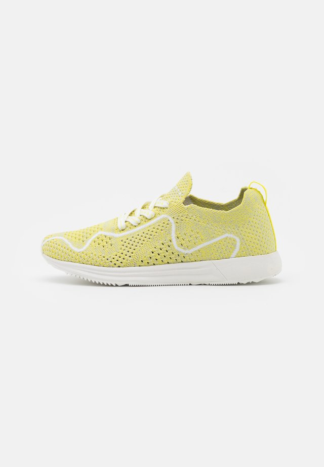 VALOISA MS - Hiking shoes - yellow