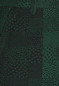 Henrik Vibskov - Trousers - black/dark green - 2