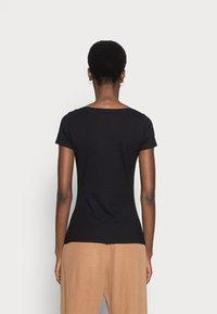 Anna Field - 3 PACK - T-shirts basic - white/black/dark grey - 4