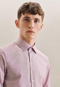 Seidensticker - BUSINESS - Formal shirt - rot - 2
