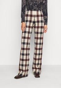 Victoria Victoria Beckham - STRAIGHT TROUSER - Spodnie materiałowe - multi - 0