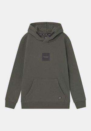 SCEAMS HOOD - Sweater - army