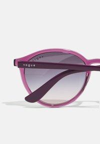 VOGUE Eyewear - Occhiali da sole - violet transparent - 2