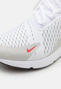 Nike Sportswear - AIR MAX 270 - Zapatillas - white/light fusion red/grey fog/black - 7