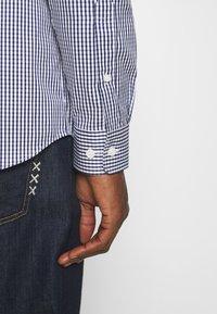 Selected Homme - SLHSLIMPEN - Camicia elegante - dark blue - 4