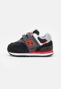 New Balance - IV574SM2 - Trainers - black - 0