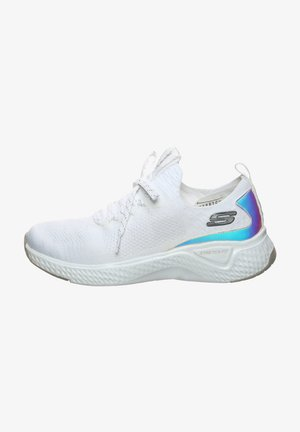 Trainers - white knit mesh / silver trim
