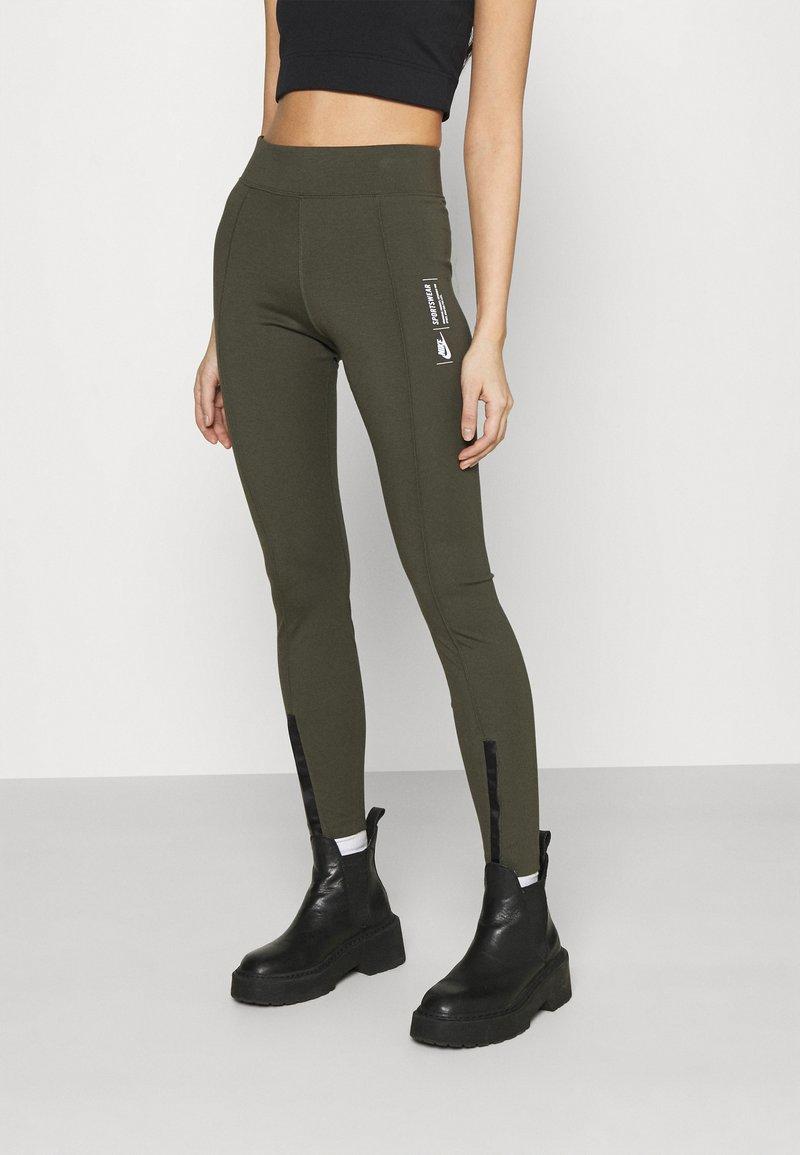 Nike Sportswear - LEGASEE ZIP - Legging - cargo khaki/white