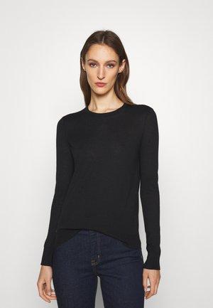 RHYONNA - Jumper - polo black