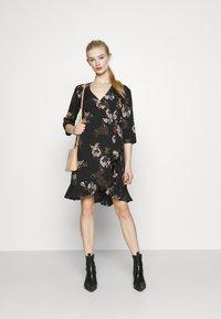 Vero Moda - VMHENNA - Denní šaty - black - 1