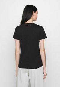 KARL LAGERFELD - STRIPE LOGO - T-Shirt print - black - 2