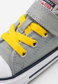 Converse - CHUCK TAYLOR ALL STAR  - Trainers - ash stone/university red/speed yellow - 5