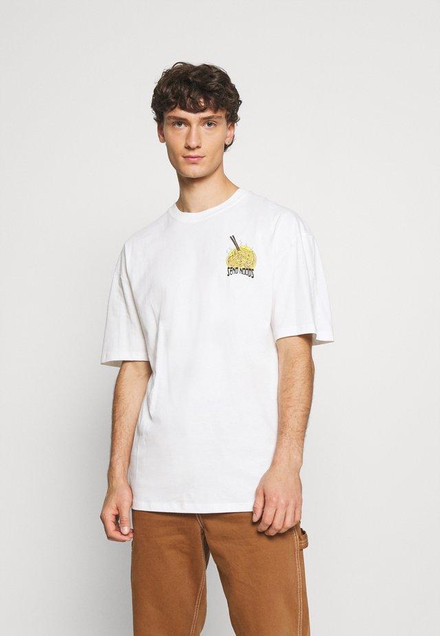 SEND NOODS TEE UNISEX - T-shirt z nadrukiem - off white
