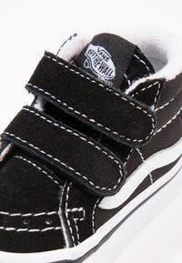 Vans - TD SK8-MID REISSUE V - Sneakers hoog - black/true white - 5