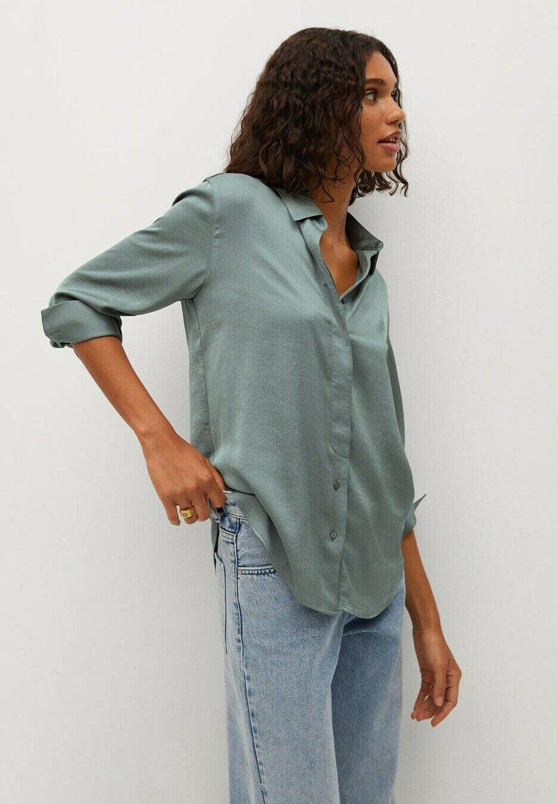 Mango - FLUIDE  - Button-down blouse - vert