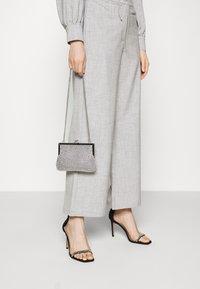 Fashion Union - DURAN TROUSER - Trousers - grey - 3