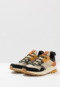 adidas Performance - adidas TERREX TRAILMAKER WANDERSCHUHE - Hikingsko - savannah/core black/solar gold - 2