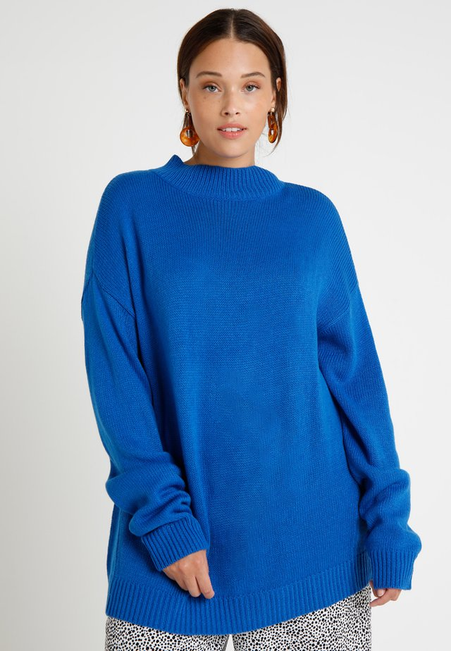 LADIES OVERSIZE TURTLENECK - Jumper - bright blue