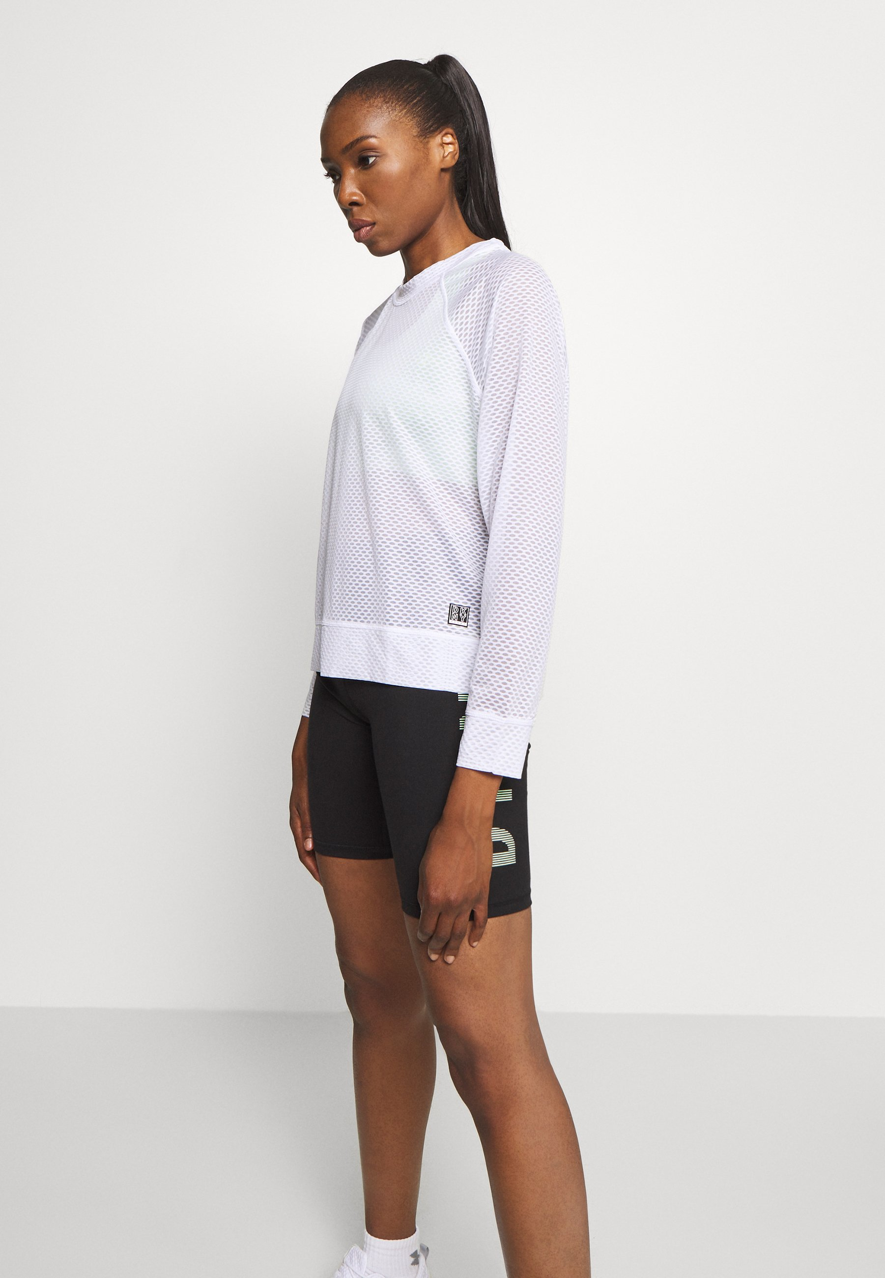Deporte sexy DKNY HONEYCOMB CREW NECKLONG SLEEVE PULL OVER  Camiseta de manga larga  white oi239