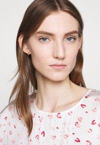 Bruuns Bazaar - MOVE ROSANA DRESS - Denní šaty - white - 3