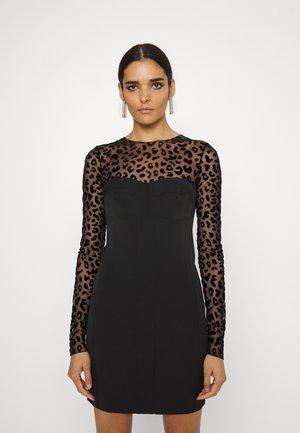 DRESS - Pouzdrové šaty - black