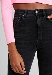 Gina Tricot - ZOEY HIGHWAIST - Jeans Skinny Fit - black/grey - 3