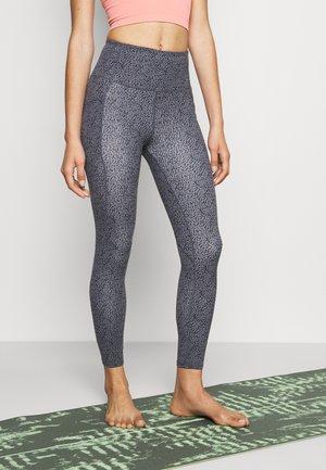 ULTIMATE BOOTY - Leggings - pewter grey