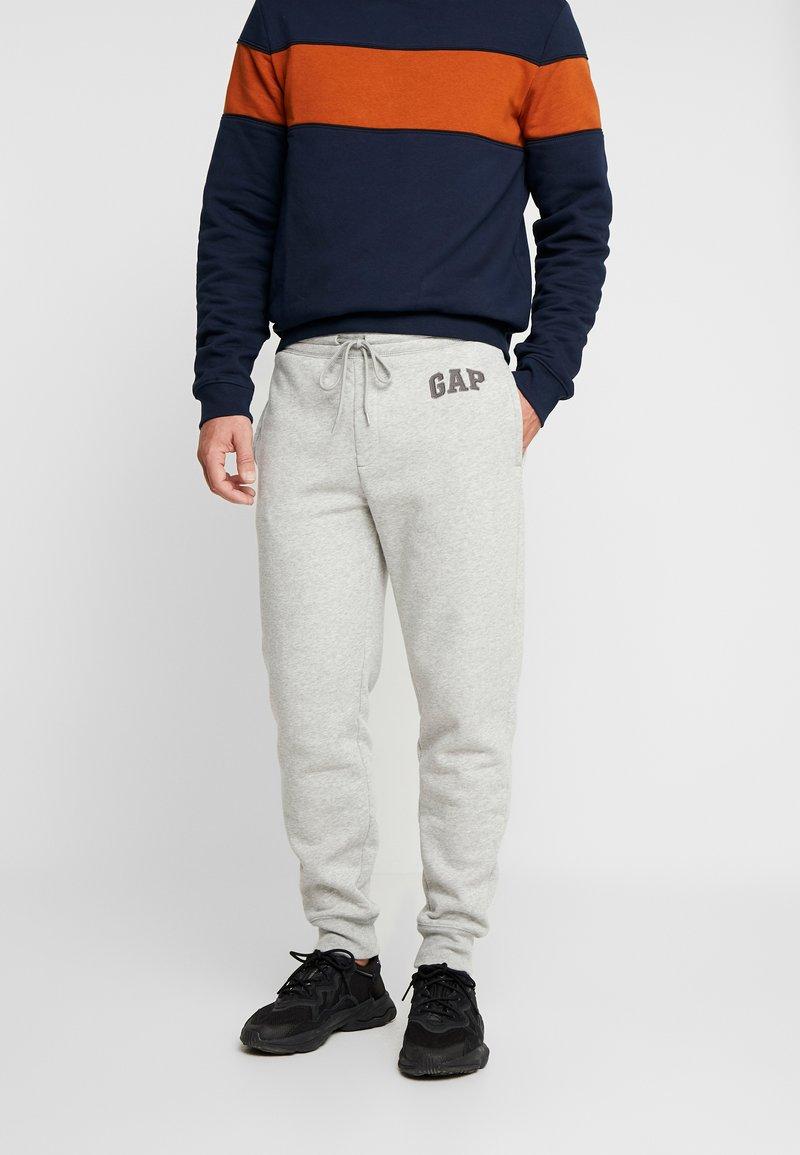 GAP - LOGO PANT - Spodnie treningowe - light heather grey
