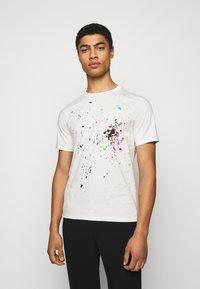 Paul Smith - GENTS PAINT SPLATTER UNISEX - Print T-shirt - white - 0