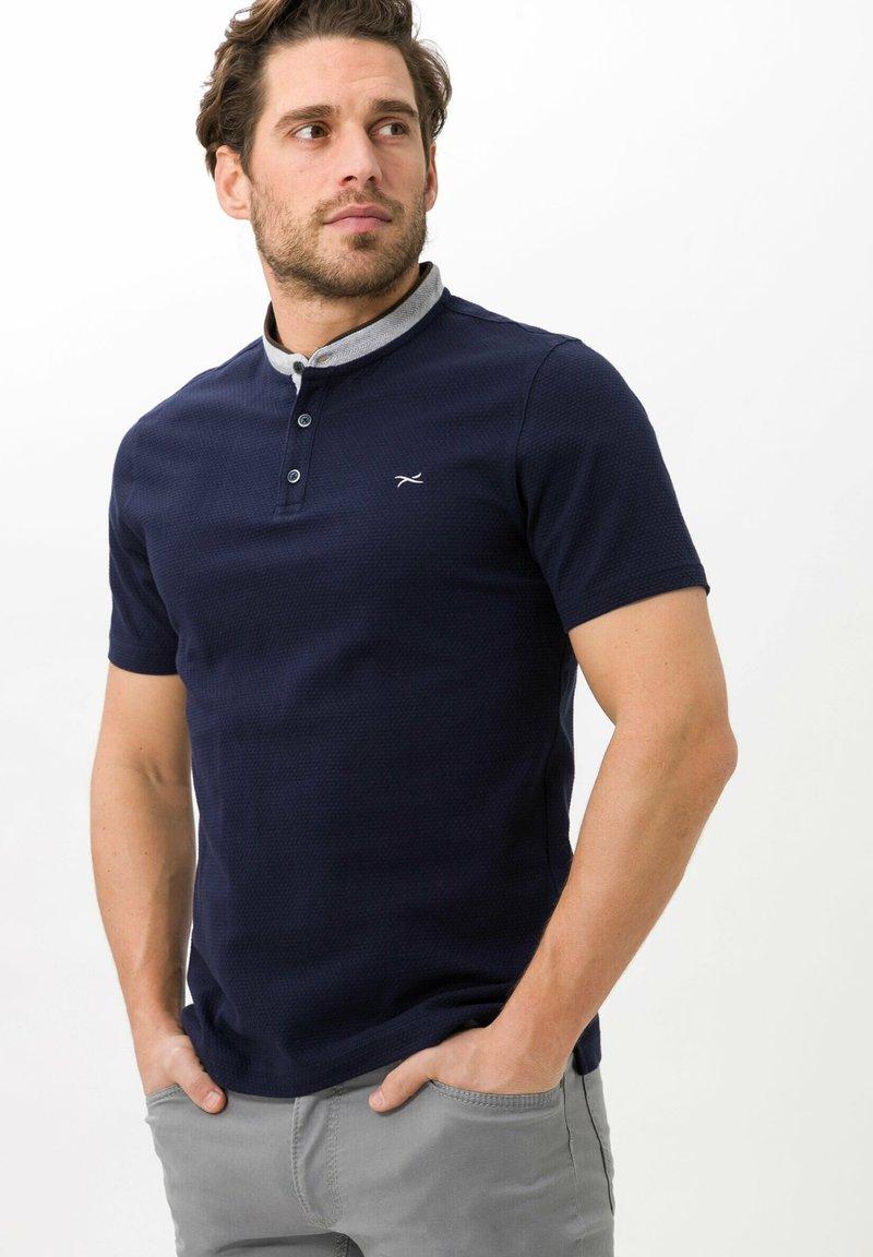 BRAX - STYLE  - Basic T-shirt - ocean