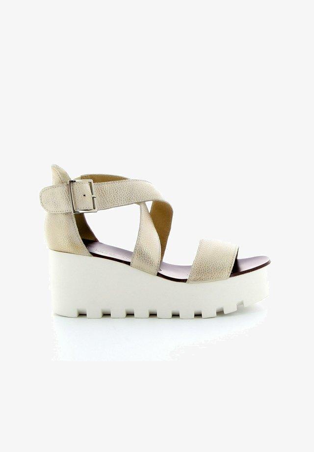 SUBWAY - Sandalen met plateauzool - beige nude
