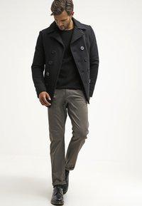 DOCKERS - ALPHA ORIGINAL - Trousers - dark pebble core - 1
