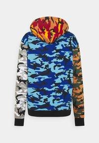 Karl Kani - SIGNATURE BLOCK CAMO HOODIE - Sweatshirt - black - 1