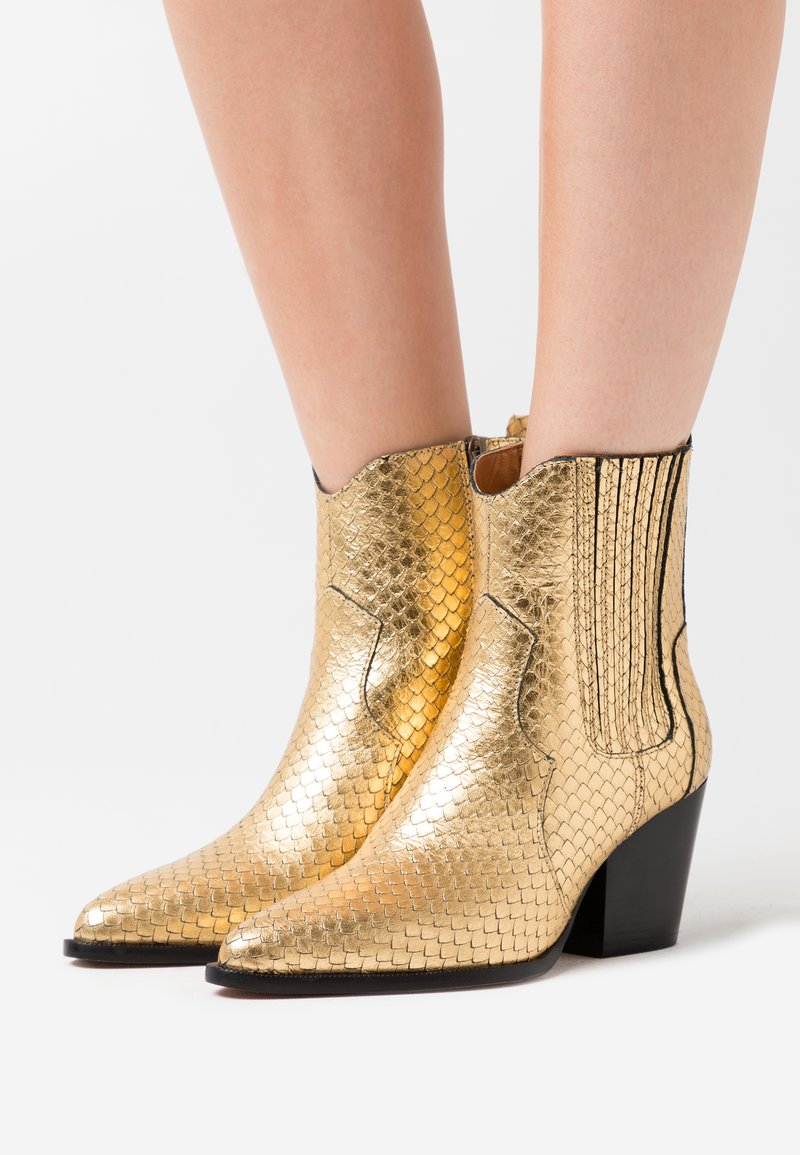 Toral - Cowboy/biker ankle boot - roy vacuno gold