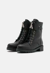 Patrizia Pepe - STIVALI BOOTS - Lace-up ankle boots - nero - 2