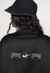 Nike Sportswear - AIR - Chaquetas bomber - black/white - 7