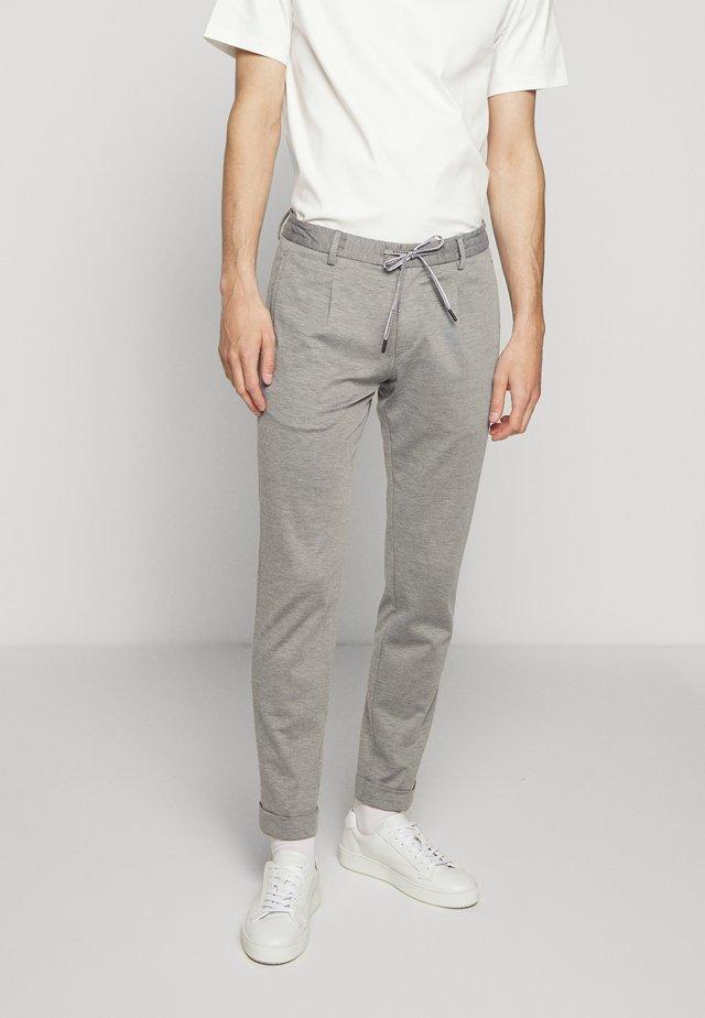 CROSS - Tracksuit bottoms - grey