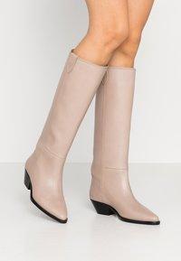 Royal RepubliQ - HUNTER HIGH BOOT - Boots - clay - 0