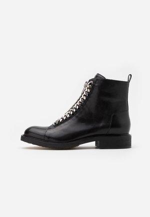 Cowboy/biker ankle boot - black/silver