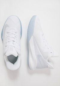 Nike Performance - PRECISION 4 - Chaussures de basket - white/pure platinum/clear - 1