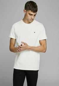 Royal Denim Division by Jack & Jones - JJ-RDD CREW NECK - T-shirt basic - white - 0