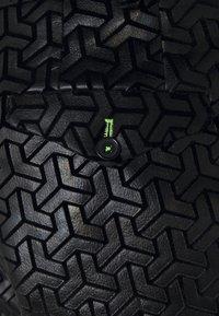 Twisted Tailor - CHAKA SUIT PLUS - Suit - black - 7
