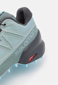 Salomon - SPEEDCROSS 5 - Scarpe da trail running - slate/trooper/crystl blue - 8