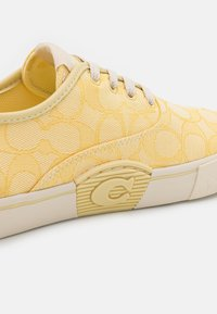 Coach - CITYSOLE - Sneakers laag - pale yellow - 6