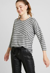Vero Moda - VMCLAUDIA 3/4 O NECK - Long sleeved top - light grey melange/black - 4