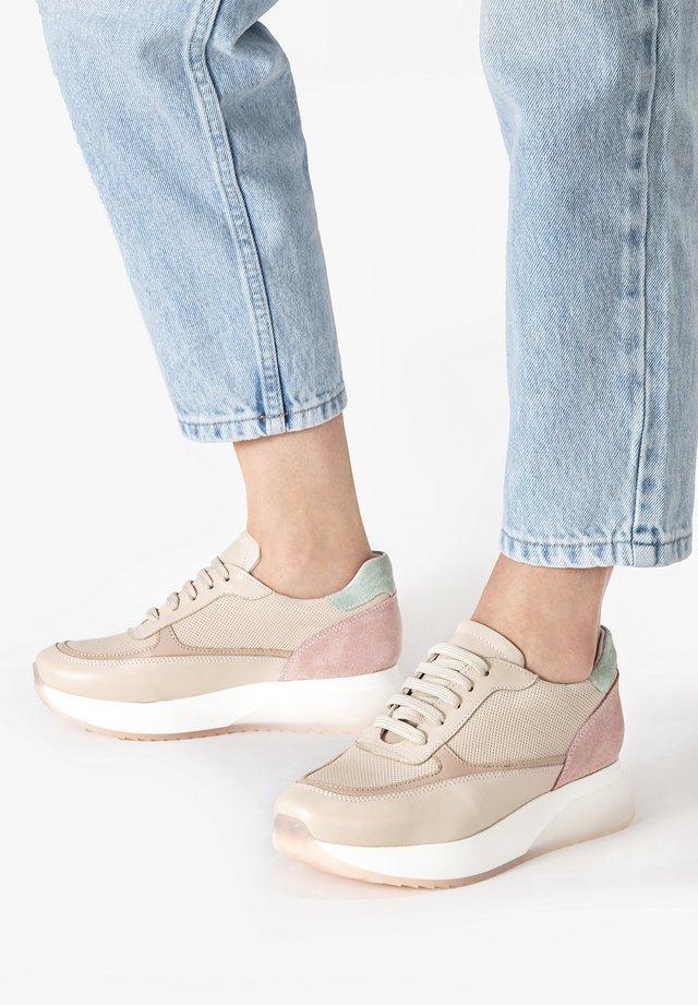 Sneakers laag - beige multi