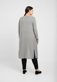 New Look Curves - CARDI - Chaqueta de punto - grey - 2