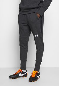 Under Armour - ACCELERATE OFF-PITCH JOGGER - Träningsbyxor - black - 0