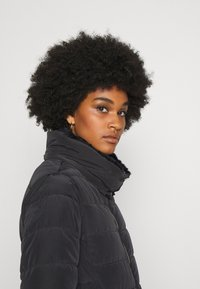ONLY - ONLCAMILLA QUILTED  - Winter coat - black - 4