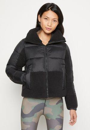 LEADBETTER POINT™ SHERPA HYBRID - Winter jacket - black